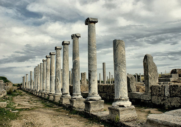 Отдых в Белеке с детьми. Развалины древнего города Перге