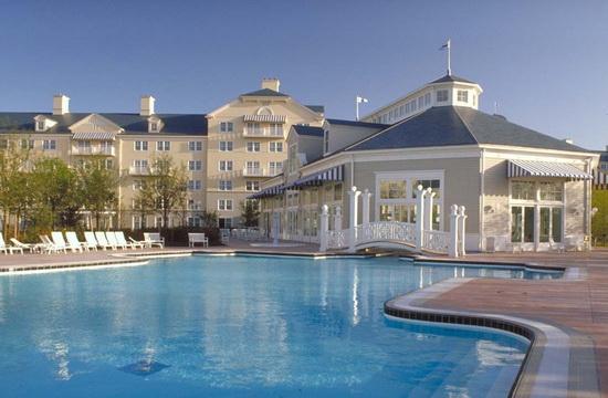 Отель Disney's Newport Bay Club, Диснейленд в Париже