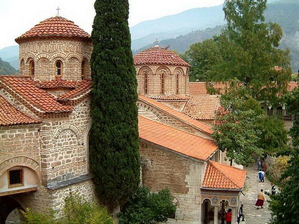 Бачковский монастырь. Горнолыжные курорты Болгарии