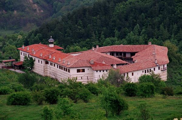 Роженский монастырь. Горнолыжные курорты Болгарии