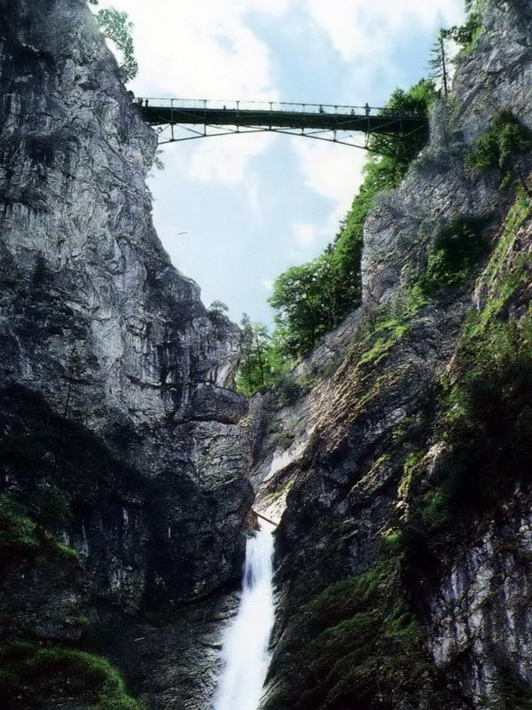 Подвесной мост Marienbrucke