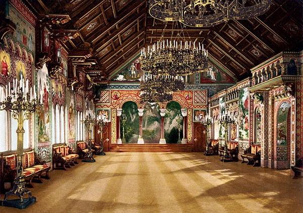 Замок Нойшванштайн в Германии. Внутреннее убранство