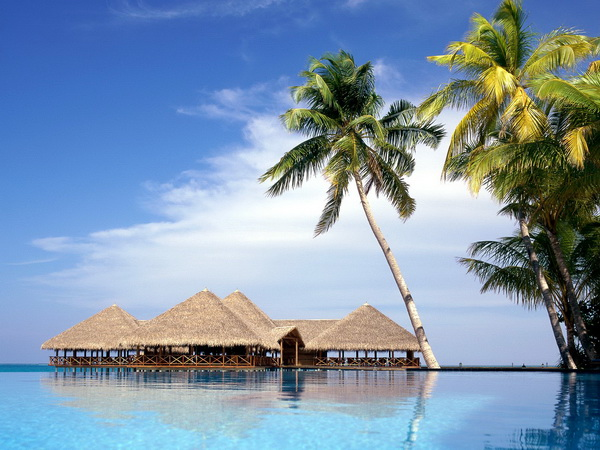 Куда съездить с детьми в феврале. Мальдивы