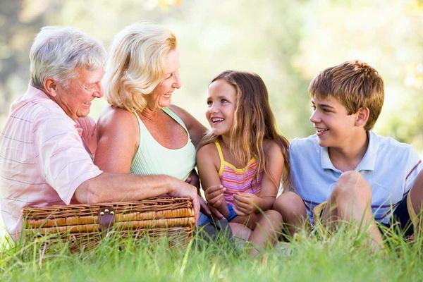 12 советов для бабушек и дедушек, путешествующих с внуками