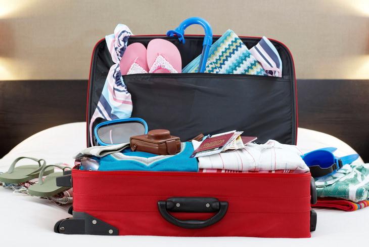 Упаковка чемодана