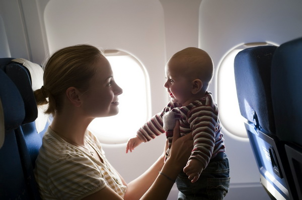 Подорож на літаку з дитиною