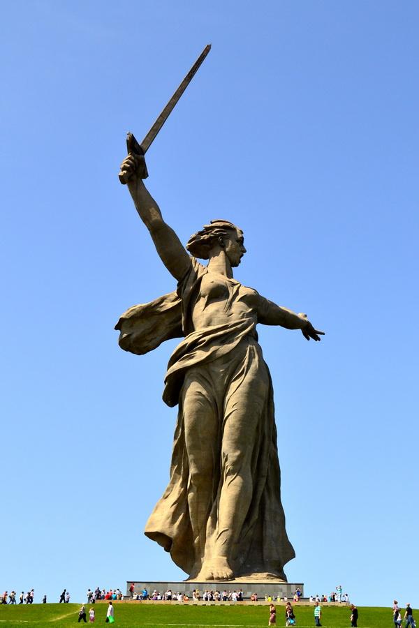 Статуя «Родина-мать зовет!». Мамаев курган