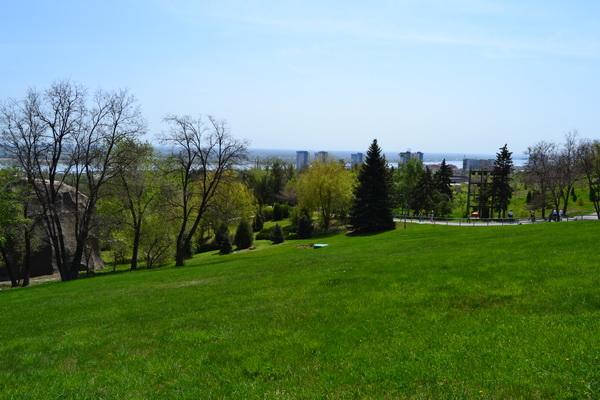 Вид на Волгоград с высоты Мамаева кургана