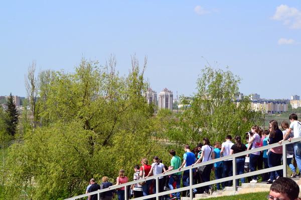 Вид с высоты Мамаева кургана на Волгоград