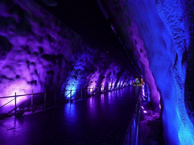 Санта-парк волшебная пещера эльфов