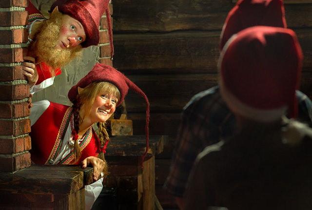 Помощники Санта-Клауса эльфы