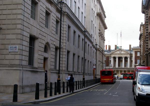 вход в министерство магии Great Scotland Yard Лондон