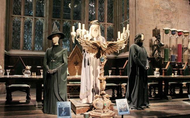 Главный зал Хогвартса в музее Гарри Поттера в Лондоне