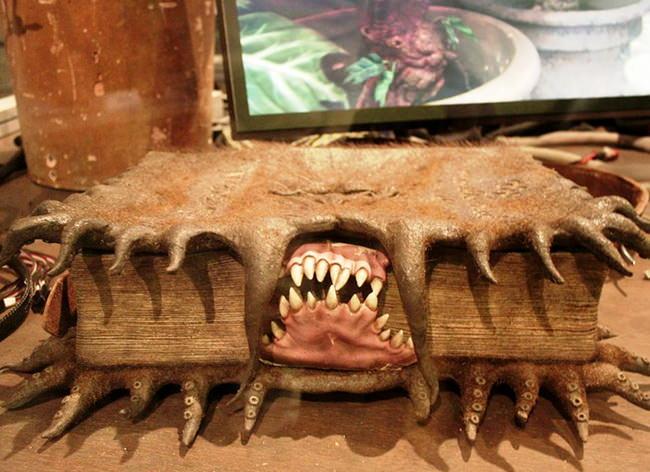 Чудовищная книга о чудовищах. Музей Гарри Поттера
