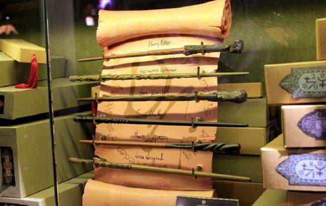 Волшебные палочки в сувенирных лавках на киностудии Warner Bros.