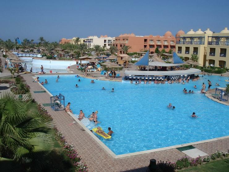 Отели для отдыха с детьми в Хургаде: Titanic Beach Spa & Aqua Park