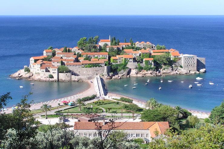 Где отдохнуть с детьми в июне? Черногория