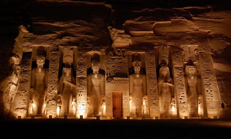 Храм Нефертари, Абу-Симбел, Египет