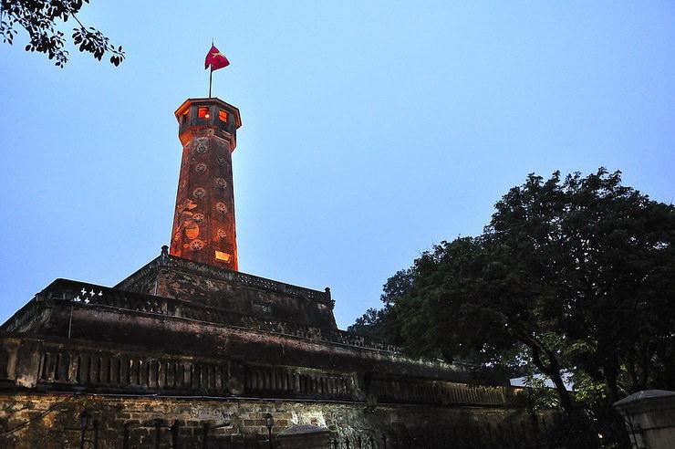 Флаговая башня, Ханой, Вьетнам