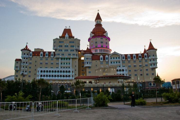 """Сочи-парк. Отель """"Богатырь"""""""