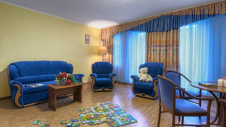 """Семейный 2-этажный номер в парк-отеле """"Кранкино"""""""