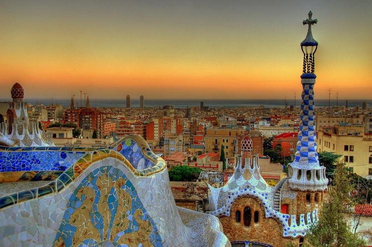 Куда поехать с детьми в августе? Барселона, Испания