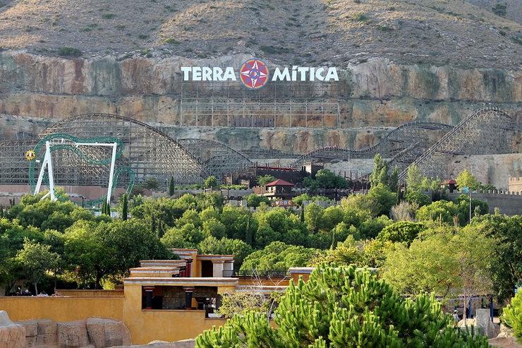 Куда поехать с ребенком в августе? Terra Mitica, Бенидорм, Испания