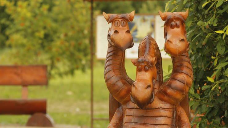 Аллея сказок в Русском парке