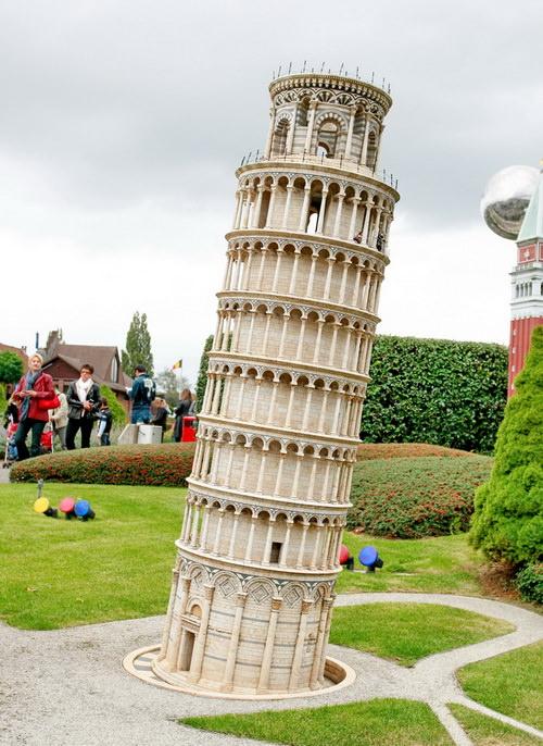 Парк Мини-Европа в Бельгии. Пизанская башня