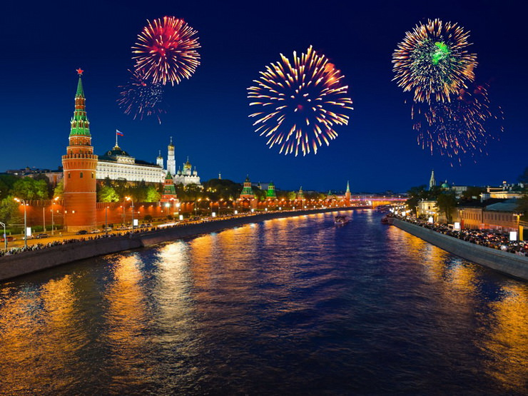 Фейерверк на 9 мая в Москве