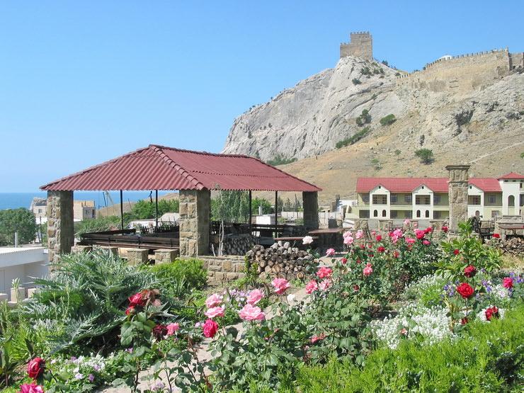 Недорогие семейные отели Крыма для отдыха с детьми