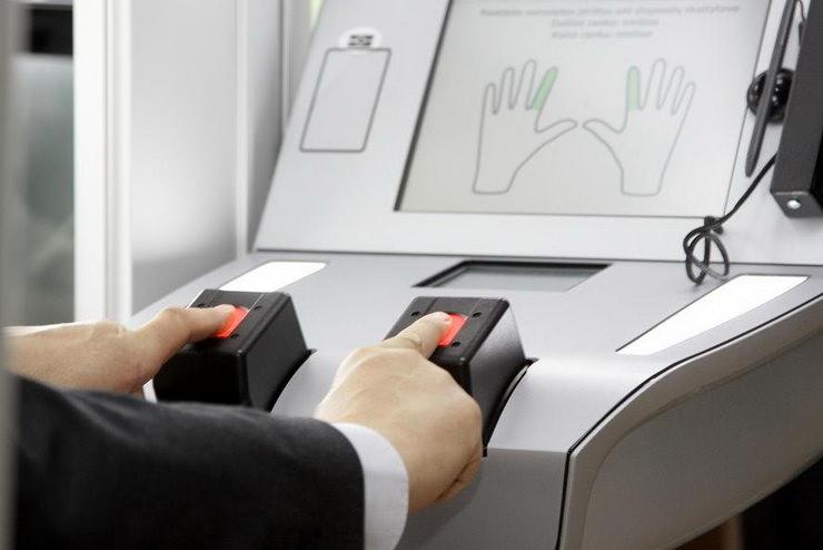 Биометрический загранспаспорт с отпечатками пальцев для ребенка
