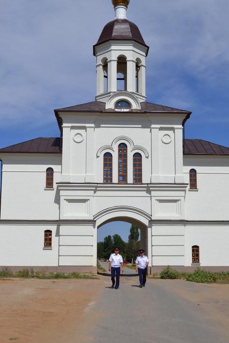 Свято-Вознесенский Дубовский монастырь. Главный вход