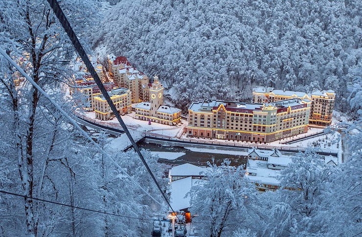 Зимний отдых в Сочи с детьми Курорт «Роза Хутор»