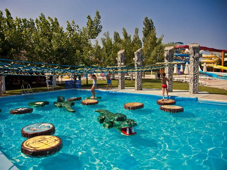 akvapark-waterland-gretsiya