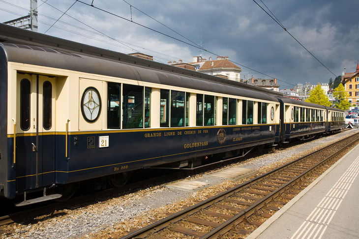 Панорамный поезд в швейцарии 2