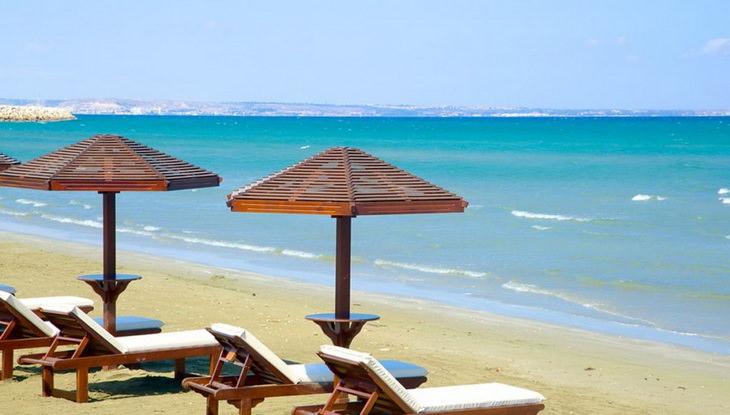 Пляж Финикодес