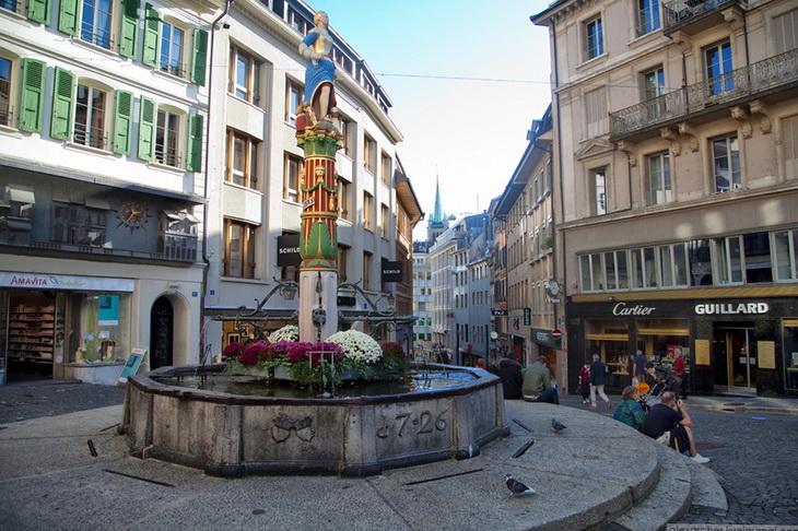 фонтан Ла-Жюстис